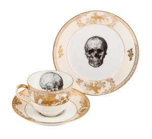Skull cup saucer side gold
